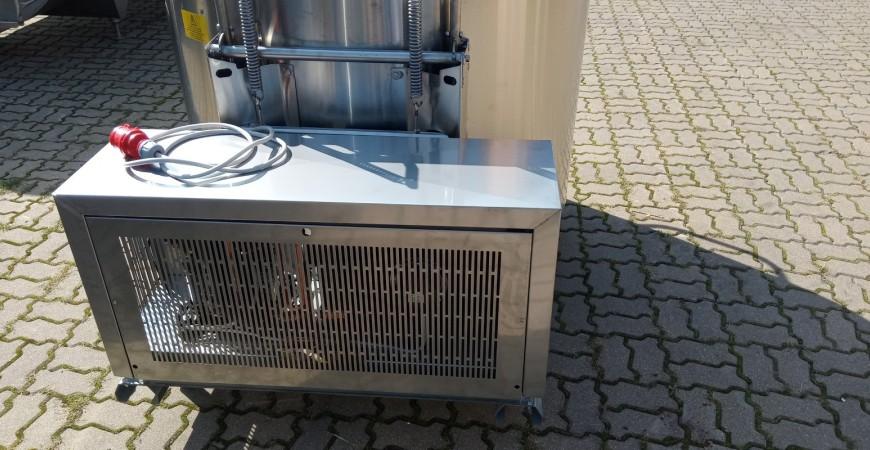 Nowe okrągłe  schładzalniki do mleka CVG 200l z agregatem pod zbiornikiem